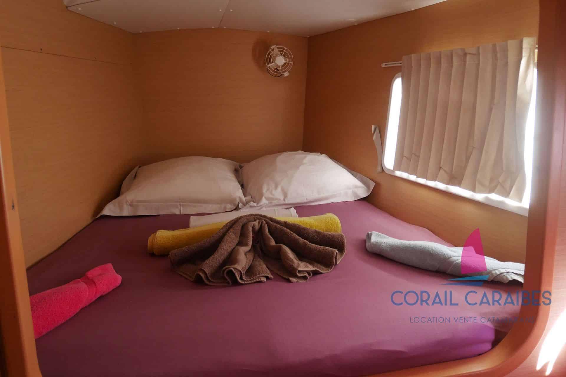 Lagoon-380-Corail-Caraibes-1